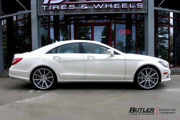 Mercedes CLS with 21in Vossen VFS1 Wheels