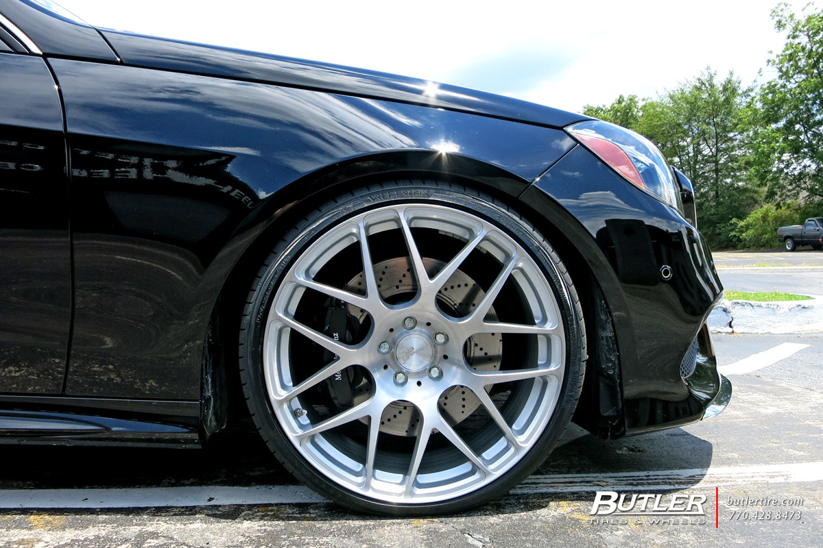 Mercedes E-Class with 20in Avant Garde M610 Wheels