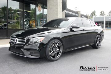 Mercedes E-Class with 20in Savini SV-F3 Wheels