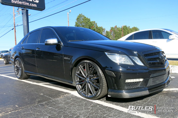 Mercedes E-Class with 20in Vossen VFS4 Wheels