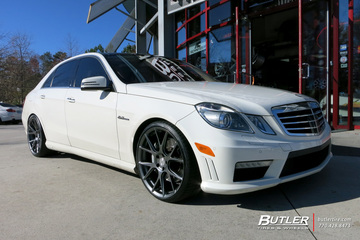 Mercedes E-Class with 20in Vossen VFS6 Wheels