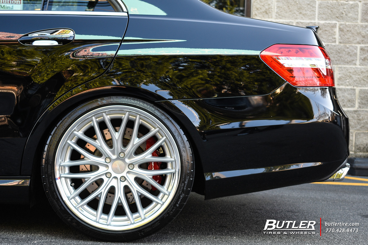 Mercedes E-Class with 20in Vossen VWS2 Wheels