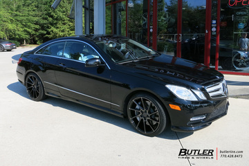 Mercedes E-Class Coupe with 19in Savini BM15 Wheels