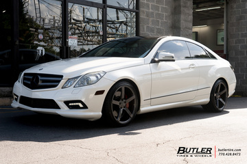 Mercedes E-Class Coupe with 19in Vossen CV3-R Wheels