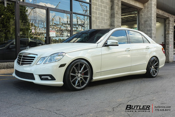 Mercedes E350 with 19in Vossen VFS1 Wheels