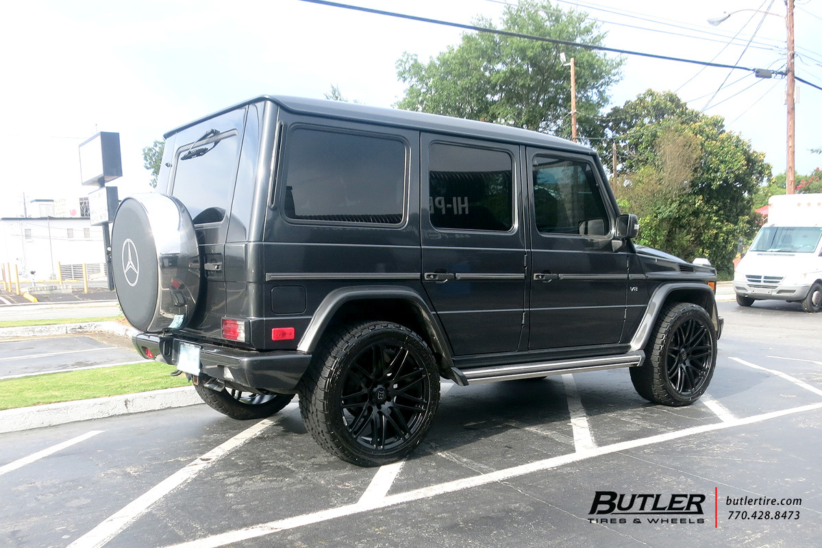 Mercedes G-Class with 22in Brabus Monoblock Wheels