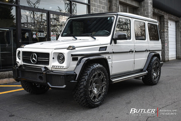 Mercedes G-Class with 22in Formula Militia Wheels