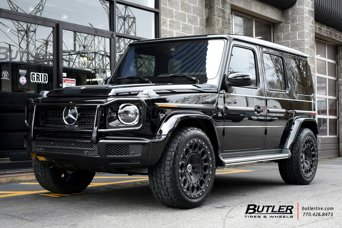 Mercedes G-Class with 22in Formula Defender Wheels