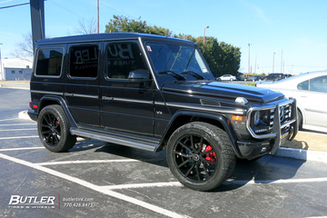 Mercedes G-Class with 22in Lexani Gravity Wheels