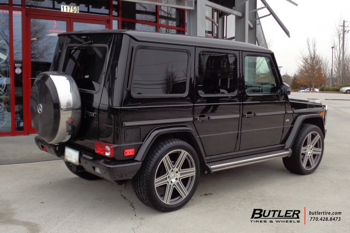 Mercedes G-Class with 22in Mandrus Atlas Wheels