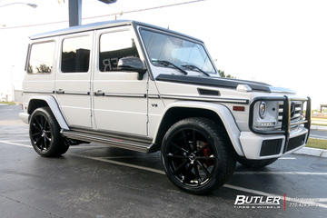 Mercedes G-Class with 22in Mandrus Wolf Wheels