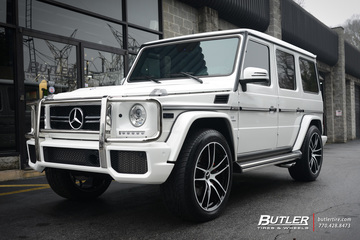 Mercedes G-Class with 22in Niche Enyo Wheels