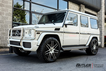 Mercedes G-Class with 22in Niche Esses Wheels