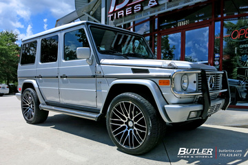Mercedes G-Class with 22in Savini BM13 Wheels