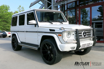 Mercedes G-Class with 22in Savini BM14 Wheels