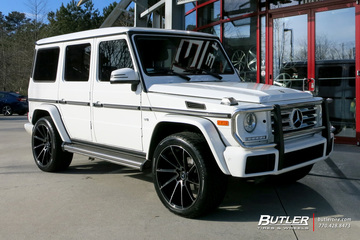 Mercedes G-Class with 22in Savini BM15 Wheels