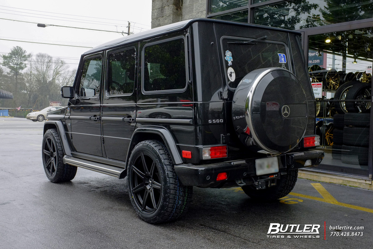 Mercedes G-Class with 22in Savini GJ97M Wheels