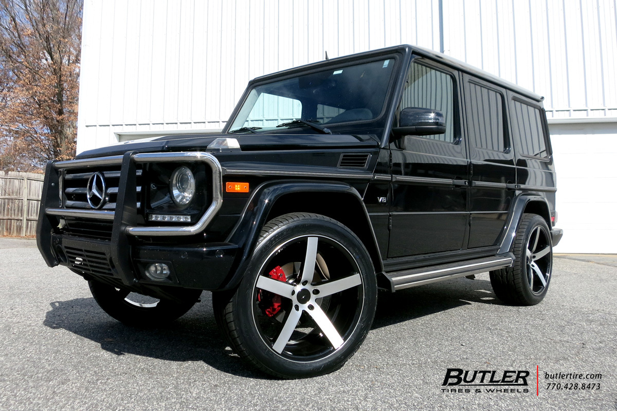 Mercedes G-Class with 22in Vossen CV3-R Wheels