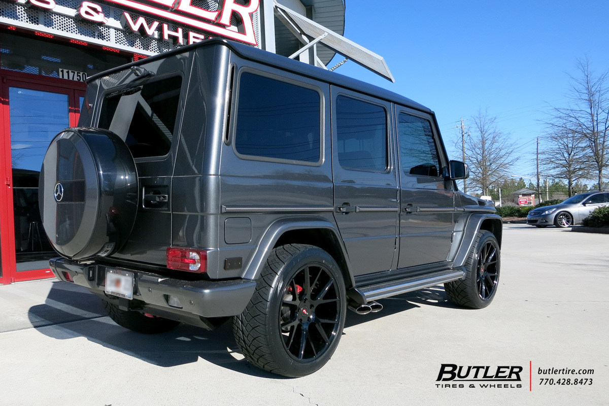 Mercedes G-Class with 22in Vossen VPS-306 Wheels