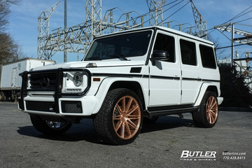 Mercedes G-Class with 22in Vossen VPS-307 Wheels