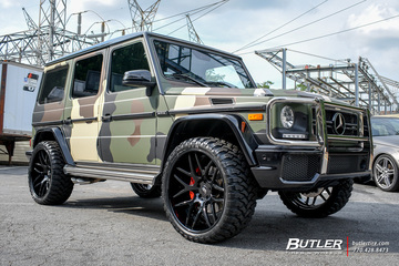 Mercedes G-Class with 24in Forgiato Pinzette Wheels