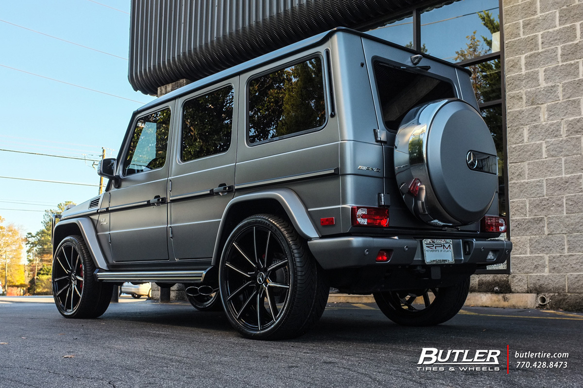 Mercedes G-Class with 24in Lexani Gravity Wheels