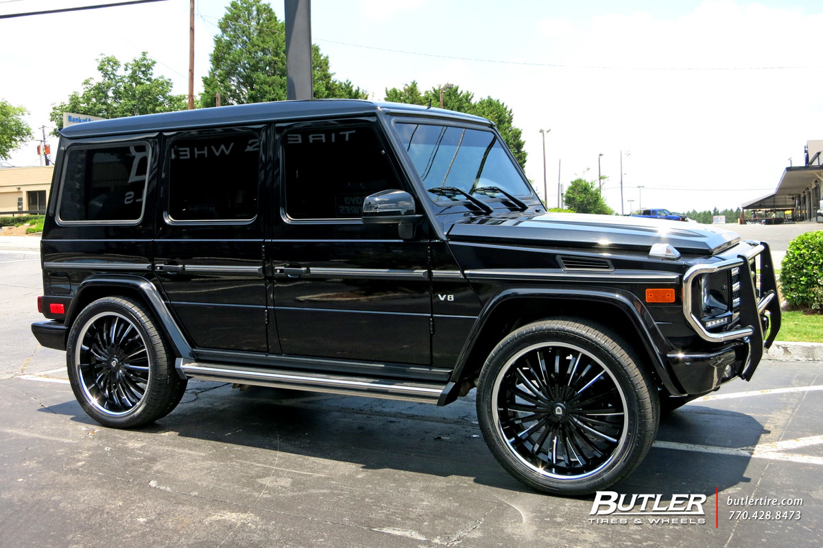 Mercedes G-Class with 24in Lexani Royal Wheels