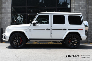 Mercedes G-Class with 24in Mandrus Wolf Wheels