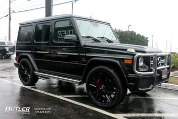 Mercedes G-Class with 24in Niche Gamma Wheels