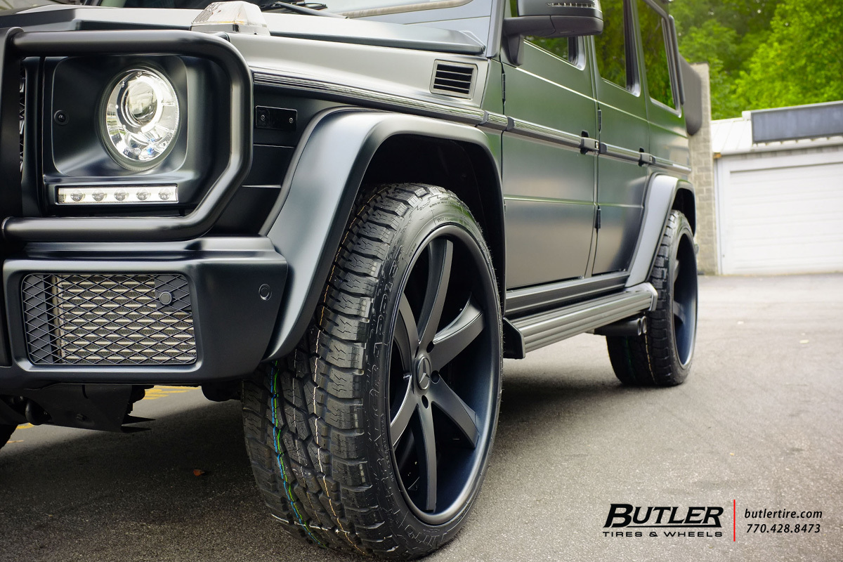Mercedes G-Class with 24in Savini SV30c Wheels