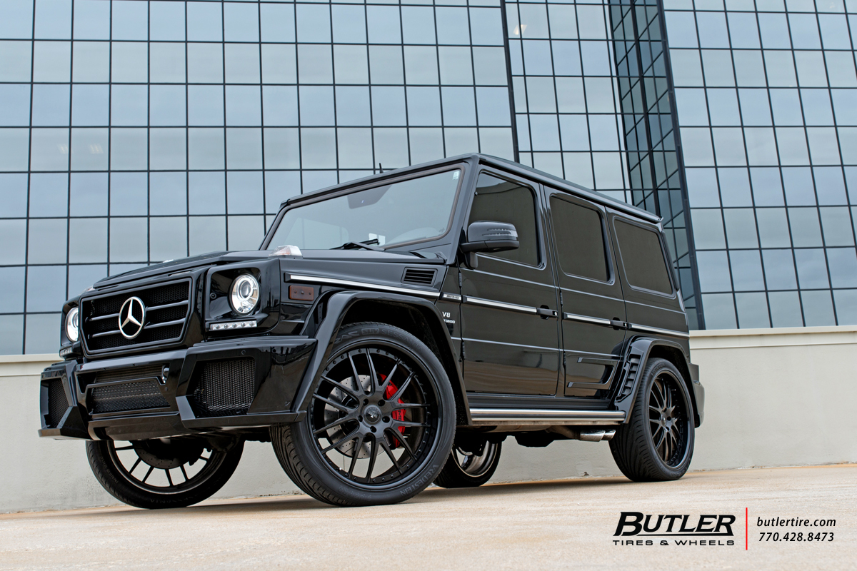 Mercedes G-Class with 24in Savini SV39 Wheels