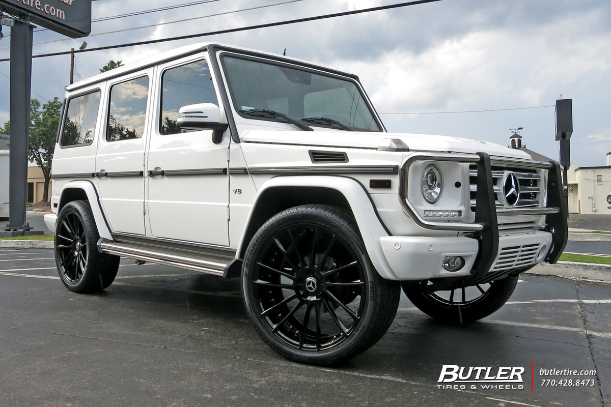 Mercedes G-Class with 24in Savini SV60d Wheels