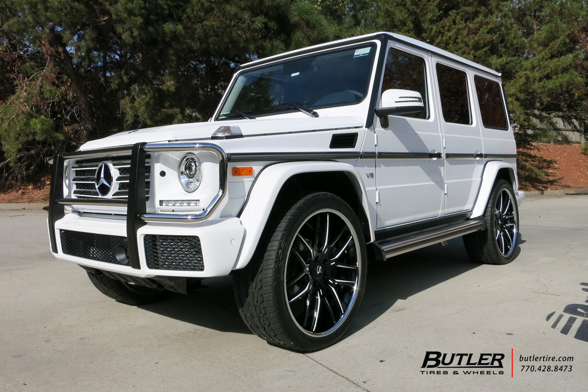 Mercedes G-Class with 24in Savini SV63 Wheels