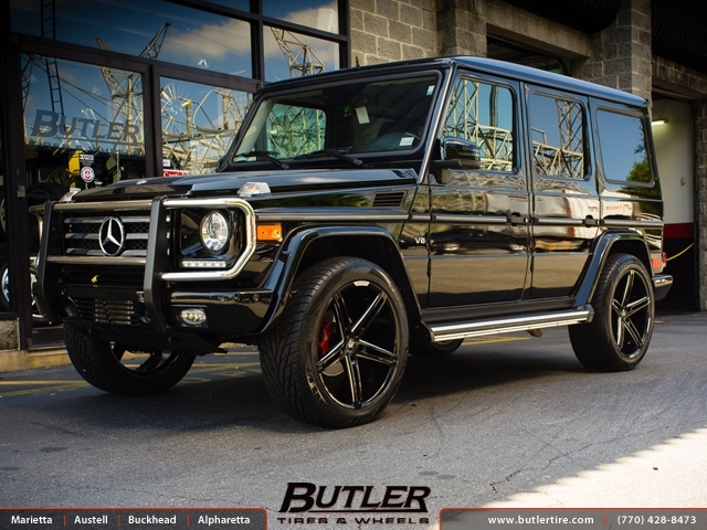 Mercedes g class with 22in lexani r three wheels for Mercedes benz tire inflator