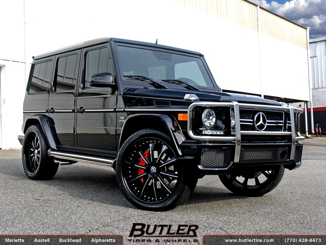 Mercedes G-Class with 24in Lexani LF707 Wheels