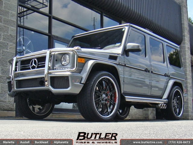 Mercedes G-Class with 24in Vellano VSE Wheels