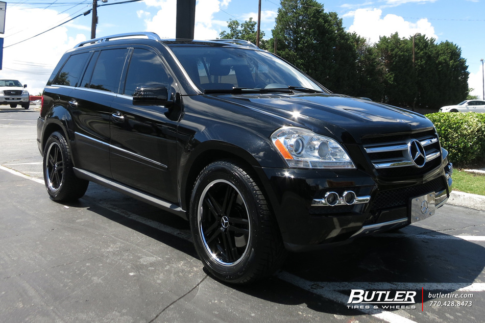 Mercedes gl class with 20in mandrus simplex wheels for Mercedes benz tire inflator