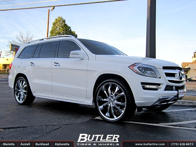 Mercedes GL-Class with 24in Lexani Lust Wheels