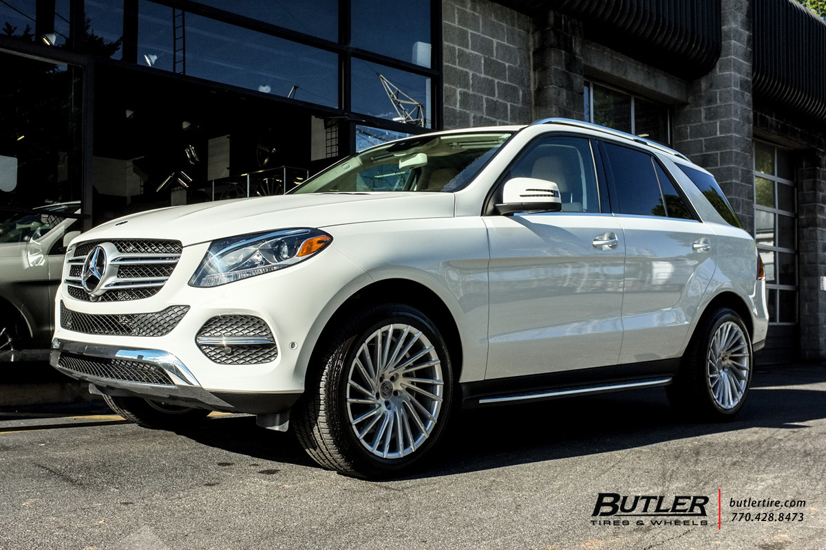 Mercedes GLE with 20in Lexani Wraith Wheels