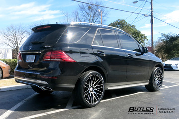 Mercedes GLE with 22in Savini BM13 Wheels
