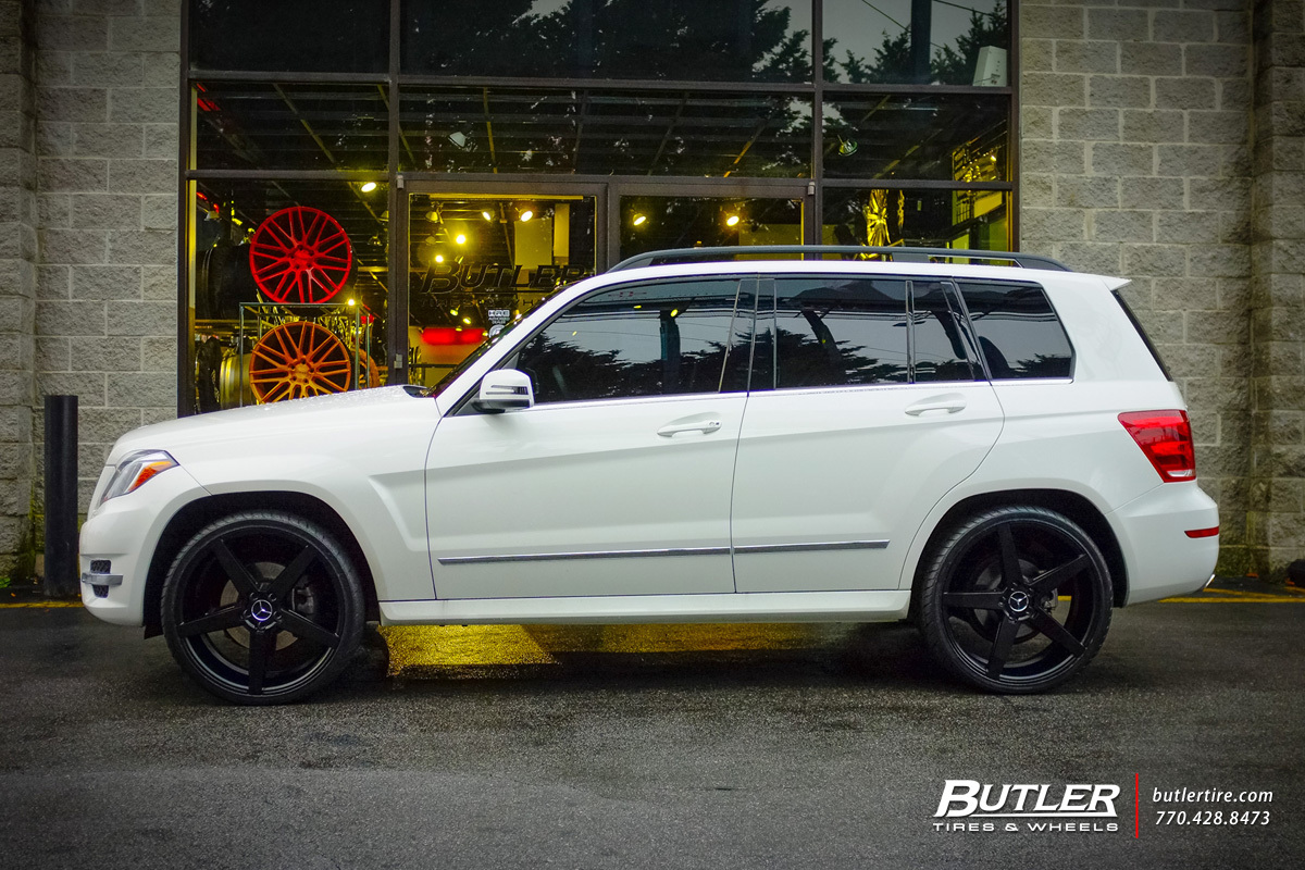 Mercedes glk with 22in savini bm11 wheels exclusively from for Mercedes benz tire inflator