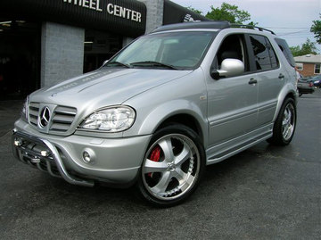 Mercedes ML-Class with 22in Antera 341 Wheels