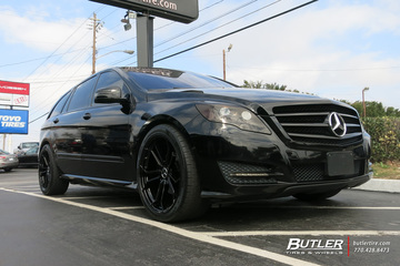 Mercedes R-Class with 22in Avant Garde AGL32 Wheels
