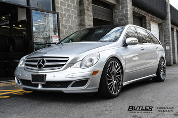 Mercedes R-Class with 22in Lexani Wraith Wheels