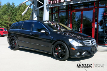 Mercedes R-Class with 22in Mandrus Mannheim Wheels