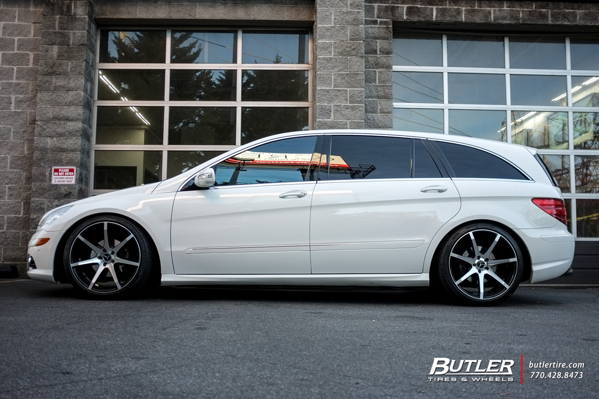 Mercedes RClass with 22in Savini BM10 Wheels exclusively from