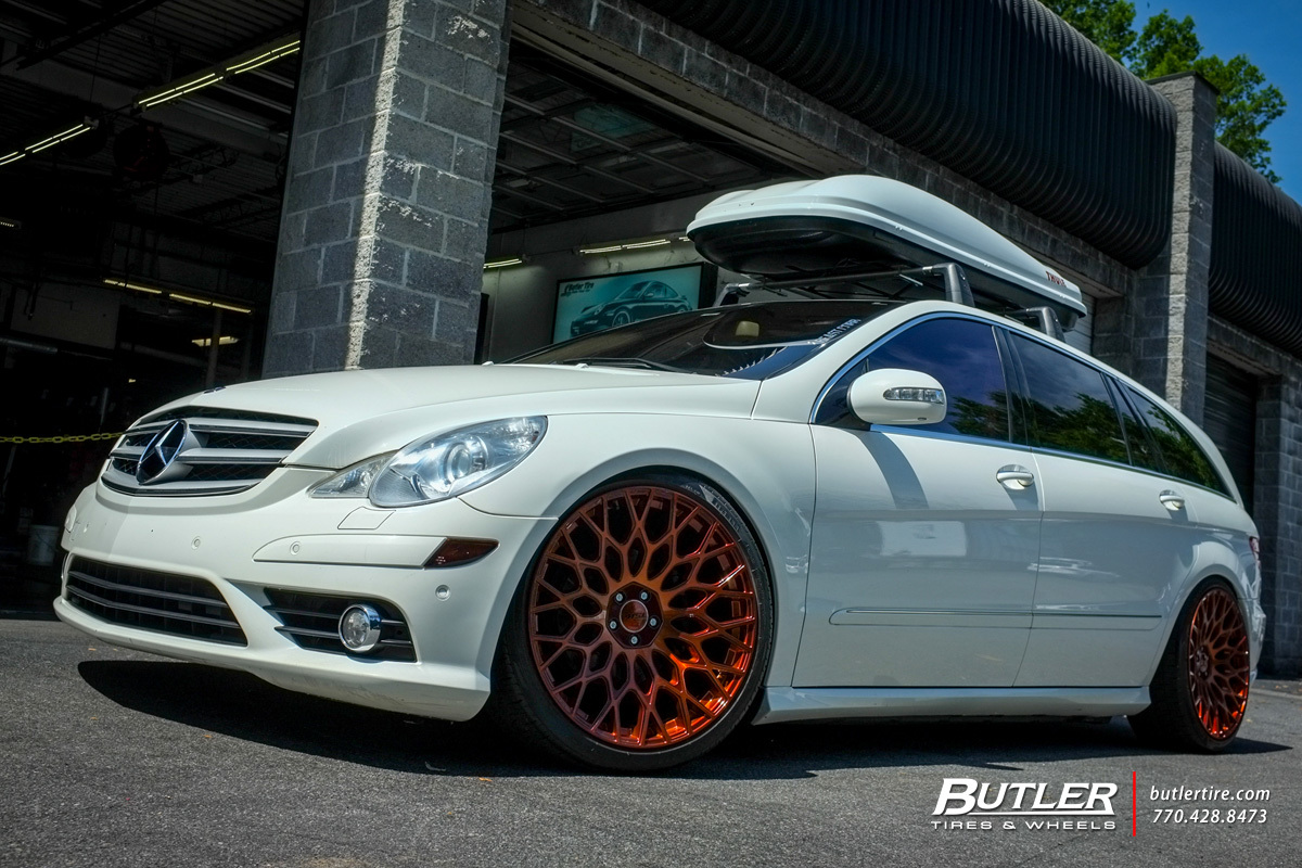 Mercedes R-Class with 22in TSW Oslo Wheels