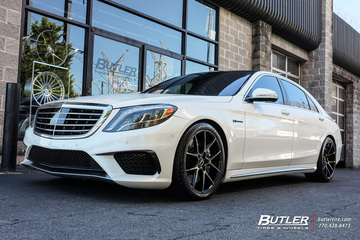 Mercedes S-Class with 20in Savini BM14 Wheels