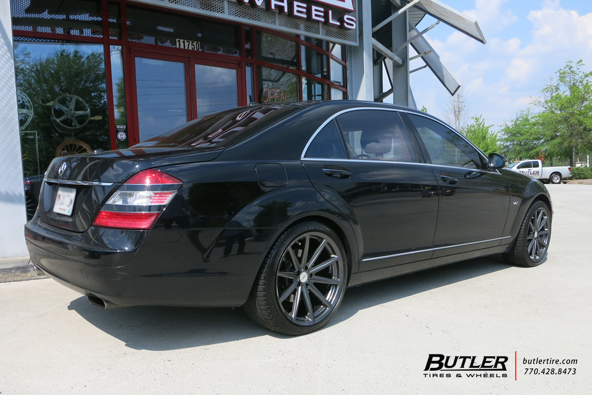 Mercedes S-Class with 20in Vossen VFS10 Wheels