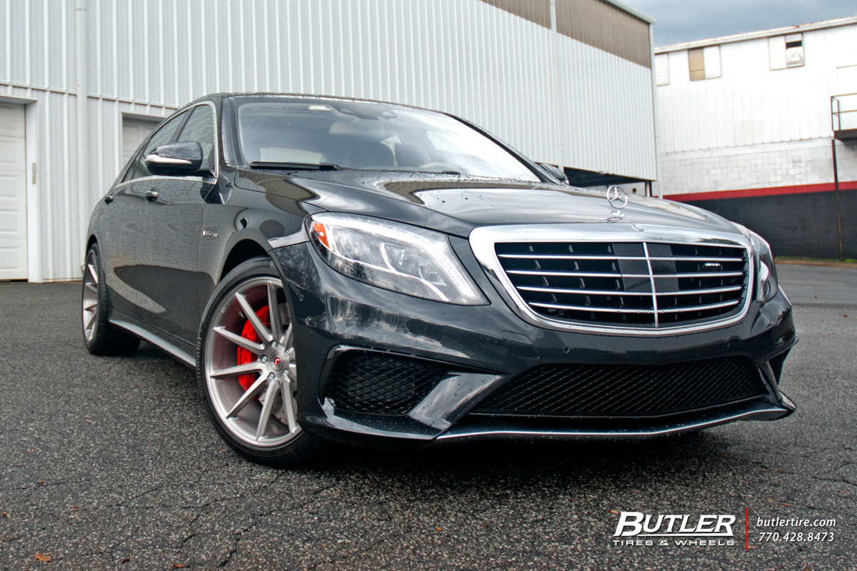 Mercedes S-Class with 20in Vossen VPS-310 Wheels